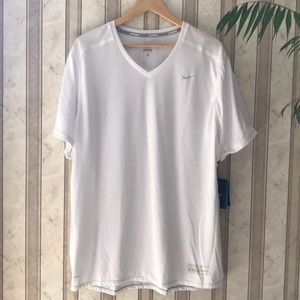 NIKE DRI FIT WHITE TSHIRT